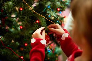 weihnachtsbaum_schmuecken